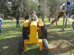 CEIMER Juegos Niño en tractor