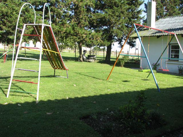 Escuela 34 Otra vista del patio de juegos