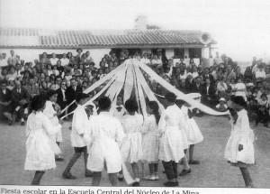 Fiesta escolar en la Escuela Central del Núcleo de La Mina