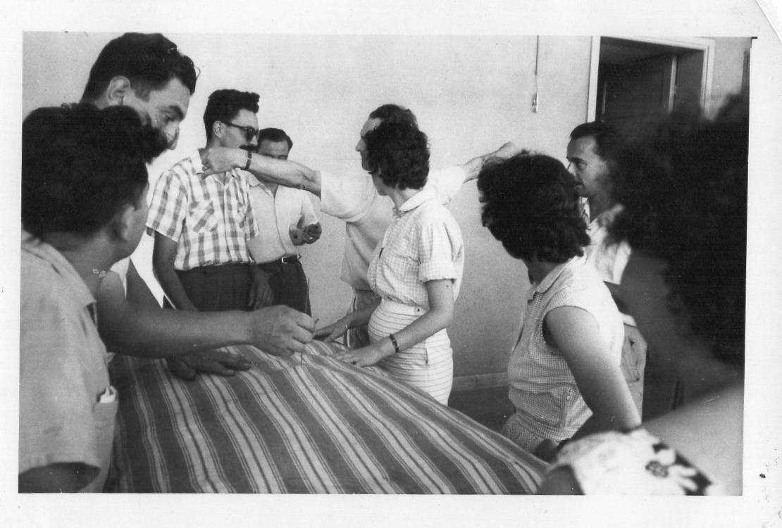 Homero Grillo y becarios I.N.R. Fabricación de colchones